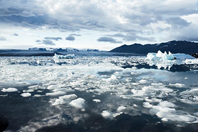 Iceberg floats-Iceland-413703_P