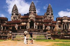 Road to Phnom Penh tour