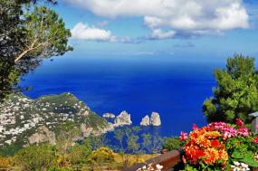 Island Hopping in the Bay of Naples tour
